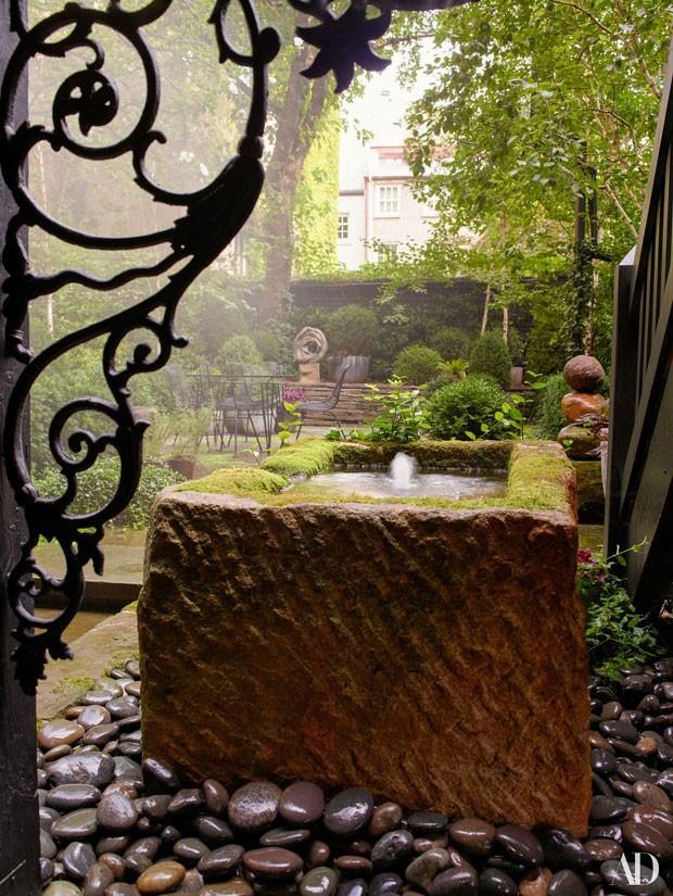 Detalhe do jardim de Julianne Moore (Foto: Reprodução Architectural Digest)