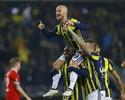 Fenerbahçe vence e fica muito perto de avançar de fase; Zenit segue 100%