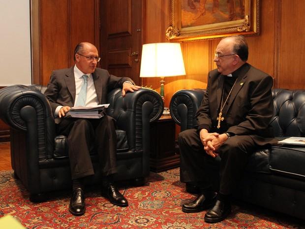 Geraldo Alckmin recebe Dom Raymundo Damasceno no Palácio dos Bandeirantes. (Foto: Gilberto Marques/Divulgação Governo do Estado de SP)
