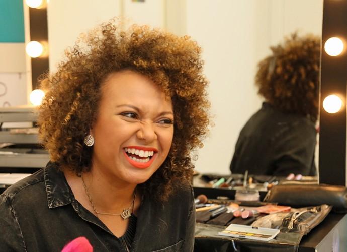 Cantora, maquiadora e... linda! Arrasa, Agnes! (Foto: Isabella Pinheiro/Gshow)
