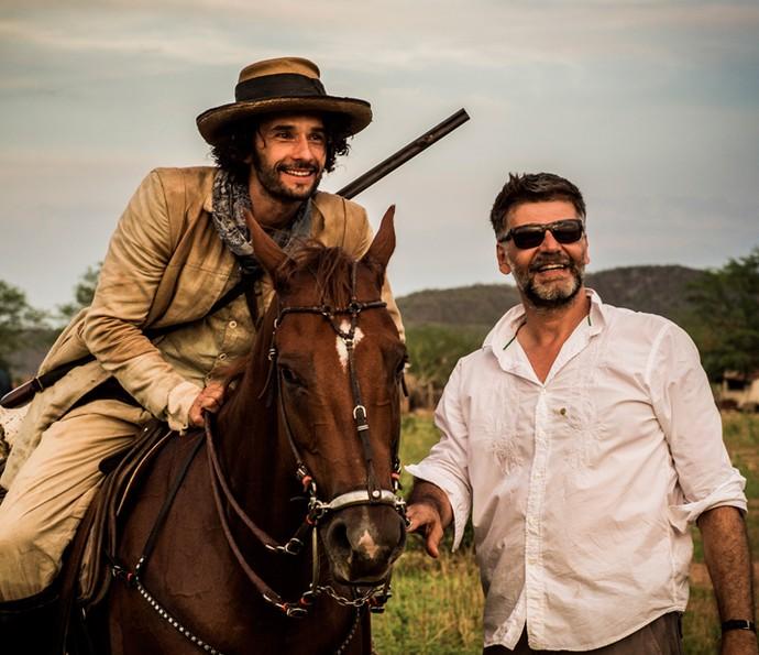 Rodrigo Santoro será Afrânio, em Velho Chico. Na foto, ele recebe as orientações do diretor Luiz Fernando Carvanlho (Foto: Cauiá Franco/ Globo)