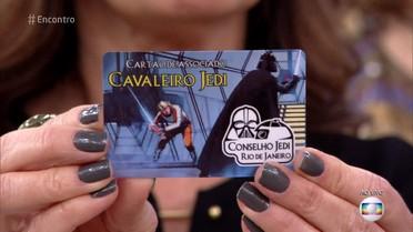 Fernando Caruso mostra cartão de membro do Conselho Jedi