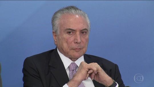 Advogados de Temer estranham ligação da PF para presidente depor
