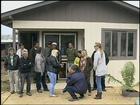Voluntários constroem casa para vítimas de tornado em Ponte Serrada