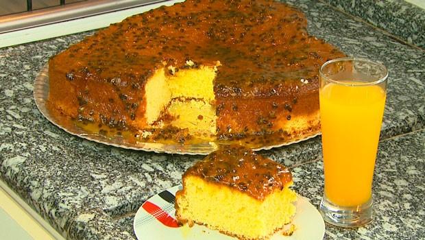 Caminhos do Campo deste domingo (22) ensinou a receita de um delicioso bolo de Maracujá (Foto:  Reprodução/RPC)