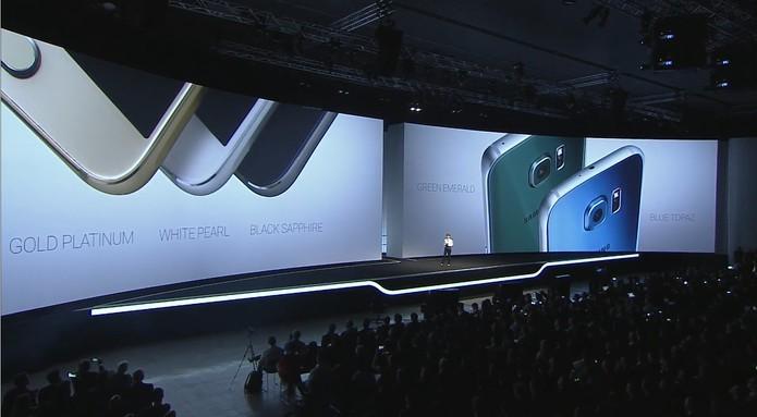 Galaxy S6 Edge já vem com Android 5.0 Lollipop (Foto: Fabricio Vitorino/TechTudo)