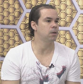Adriano Louzada, atacante  (Foto: Reprodução/GloboEsporte.com)