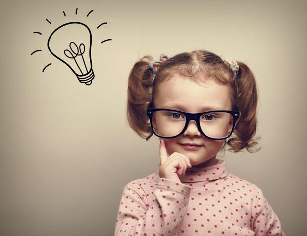menina pensando; pensativa (Foto: Thinkstock)
