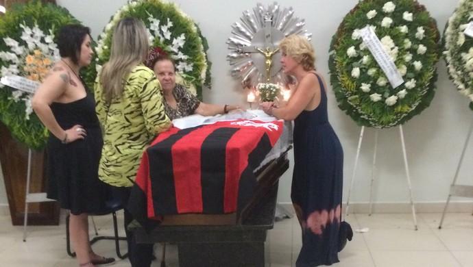 Velório e enterro do Gaúcho, em Goiânia (Foto: Guilherme Gonçalves/GloboEsporte.com)
