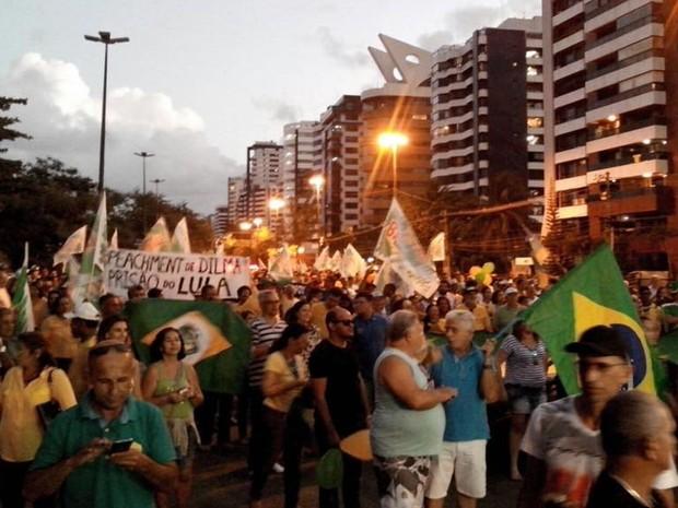 Manifestantes retornam a Bairro 13 de Julho (Foto: Tassio Andrade/G1)