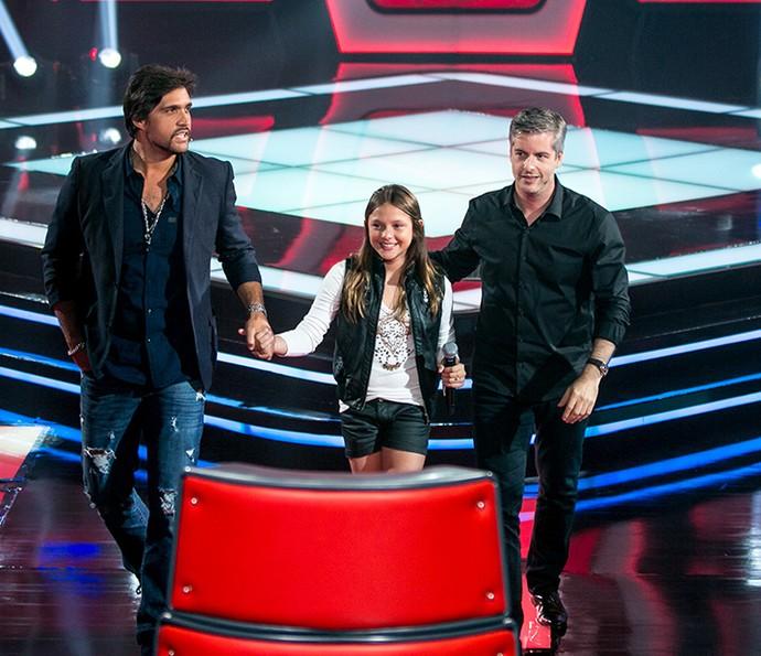 Victor & Leo recebem Laura Schadeck no The Voice Kids (Foto: Isabella Pinheiro/Gshow)