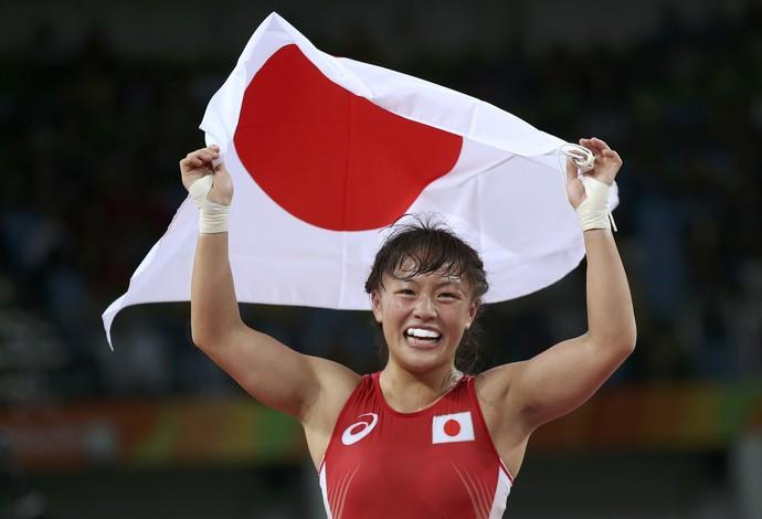 Eri Tosaka (JPN) medalha de ouro luta olímpica 48kg (Foto: Reuters)