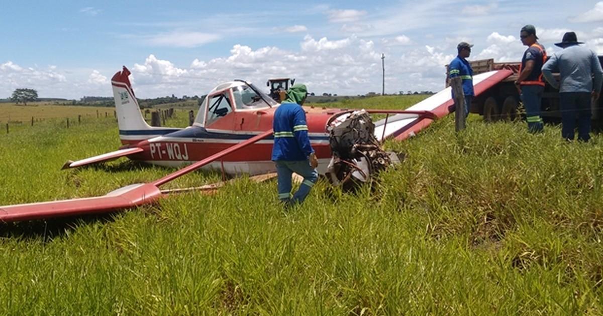 Piloto faz pouso forçado em área rural próximo a Santa Fé do Sul - Globo.com