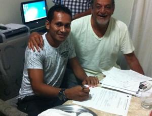 Flamel renovou por mais seis meses (Foto: Divulgação / Twitter)