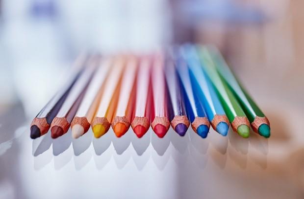 lápis de cor - desenho - cor - pintar - desenhar- rabiscar - rabisco - arte - colorir (Foto: Pexels)