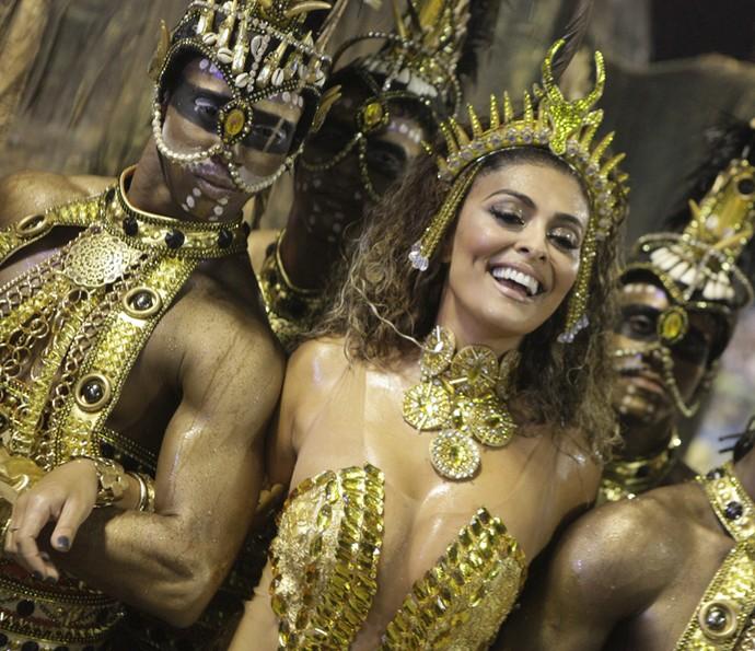 Juliana Paes na comissão de frente da Viradouro no Carnaval de 2015 (Foto: Acervo Riotur/Gabriel Santos)