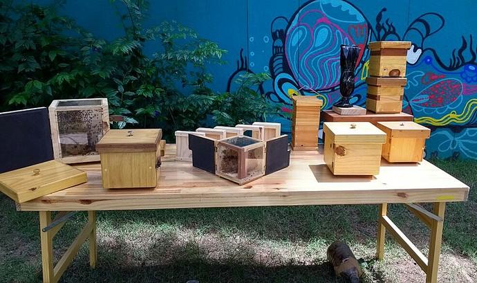 Material utilizado para fabricar as casinhas de abelha (Foto: Carolina Berger/Gshow)