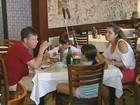 Restaurantes esperam movimento intenso neste domingo de Natal