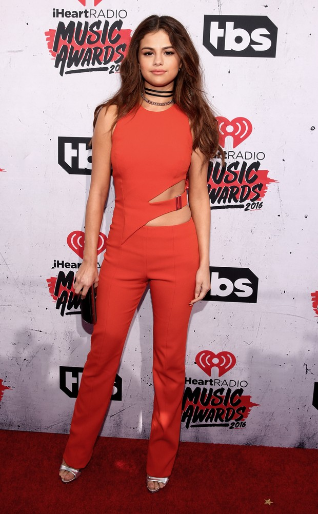 Selena Gomez no iHeartRadio Music Awards (Foto: Getty Images)