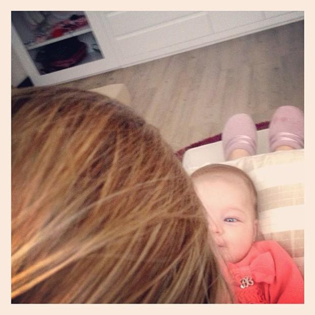 Sheila Mello posta foto com a filha, Brenda (Foto: Instagram / Reprodução)