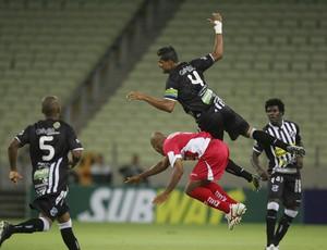 Ceará goleia CRB na Arena Castelão em estreia na Copa do Nordeste (Foto: Kid Júnior/ Agência Diário)