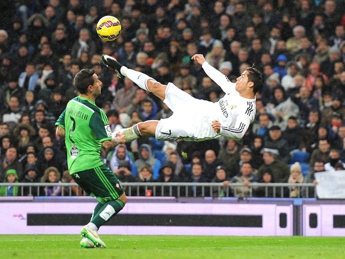 Cristiano Ronaldo comemora gol do Real Madrid contra o Celta vigo (Foto: Getty Images)