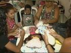 Artesãs fazem almofadas para doar para entidades da região de Rio Claro