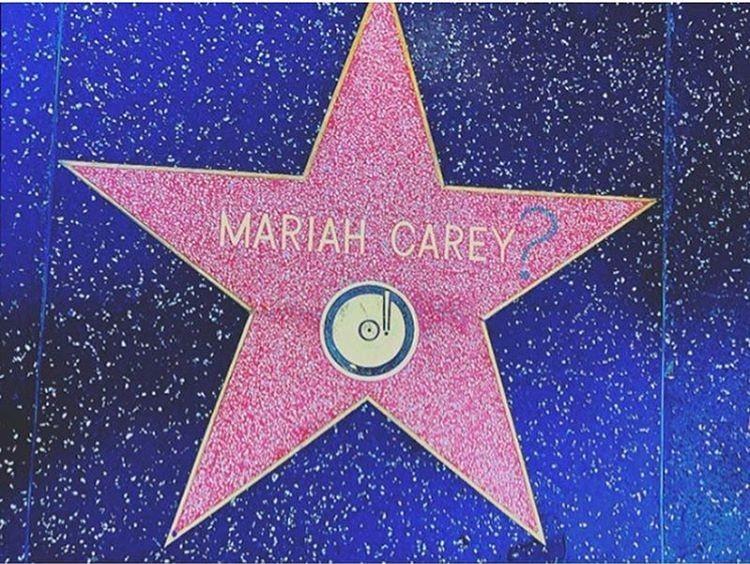 Estrela de Mariah Carey na Calçada da fama ganhou um ponto de interrogação (Foto: Reprodução)
