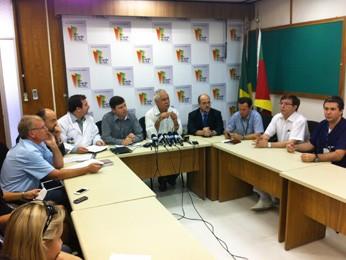 Secretária da Saúde divulgou atualização dos feridos (Foto: Caetanno Freitas/G1)