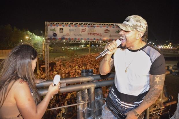 Naldo canta com Simone e Simaria (Foto: Davi Magalhães / Divulgação)