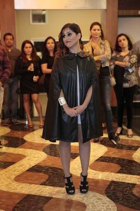 Camilla Camargo em estreia de teatro no Rio (Foto: Isac Luz/EGO)
