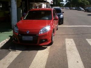 Internauta registra infração de trânsito no Centro de Macapá (Foto: Artur Fix/VC no G1)