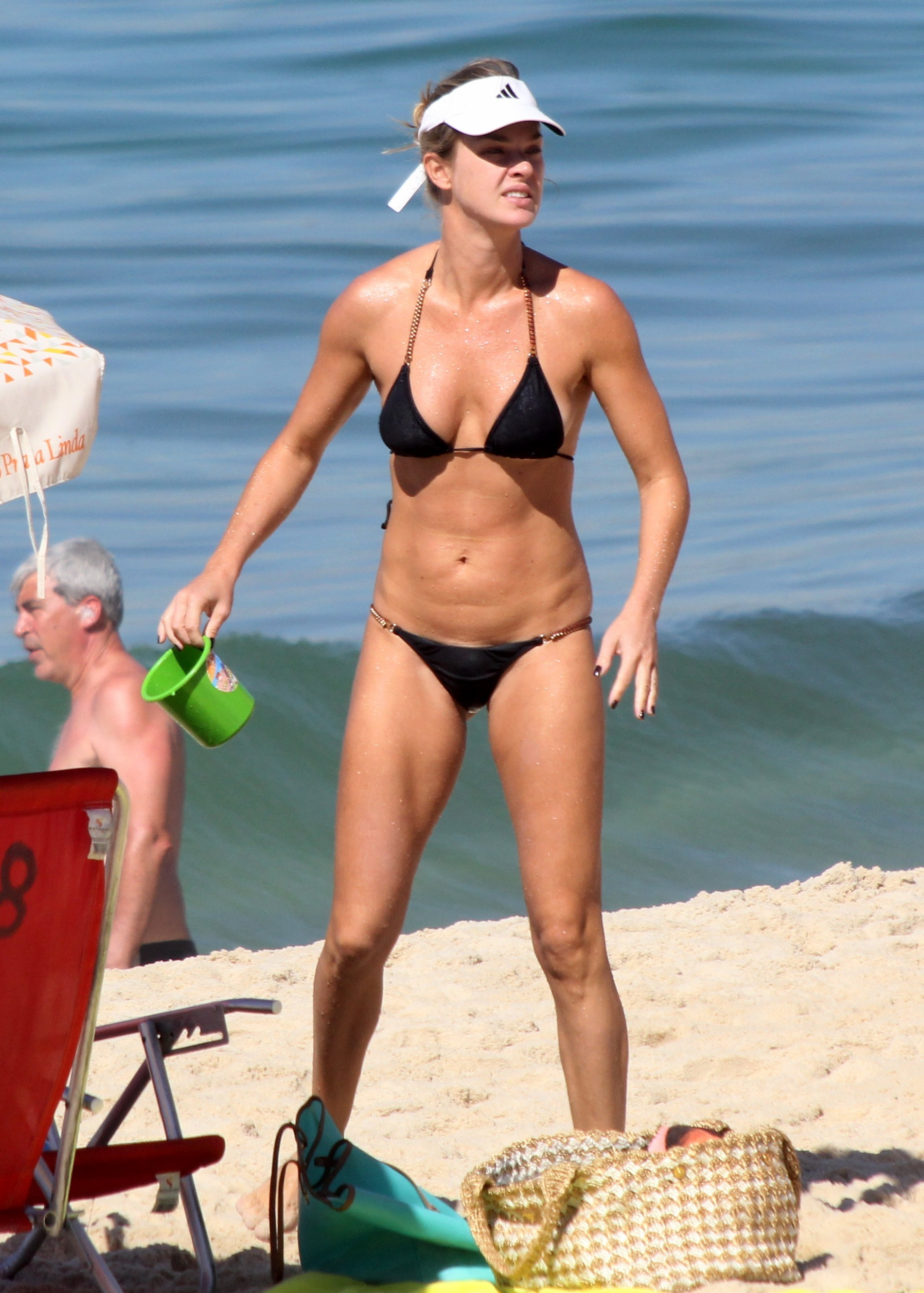Bikini Leticia Birkheuer nudes (63 photos), Pussy