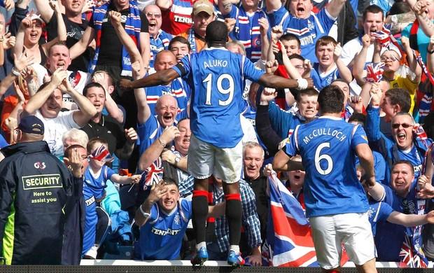 sone aluko rangers gol celtics (Foto: Agência Reuters)