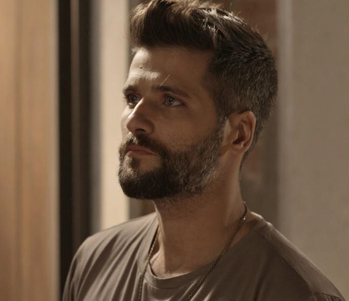 Mario encara Ralf sobre sentimento por Milena  (Foto: TV Globo)