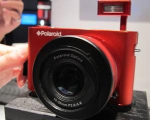 Câmera da Polaroid faz fotos de 18 megapixels e roda o sistema operacional Android (Foto: Daniela Braun/G1)