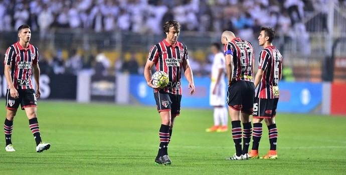 Expulsão Lugano Santos X São Paulo (Foto: Marcos Ribolli)