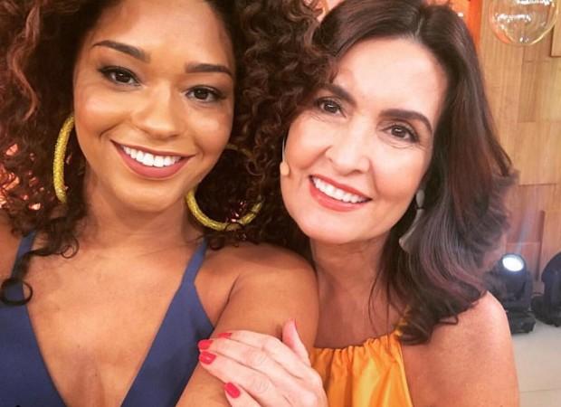 Juliana Alves e Fátima Bernardes em intervalo de gravações do 'Encontro' nesta quarta-feira (24) (Foto: Reprodução/Instagram)