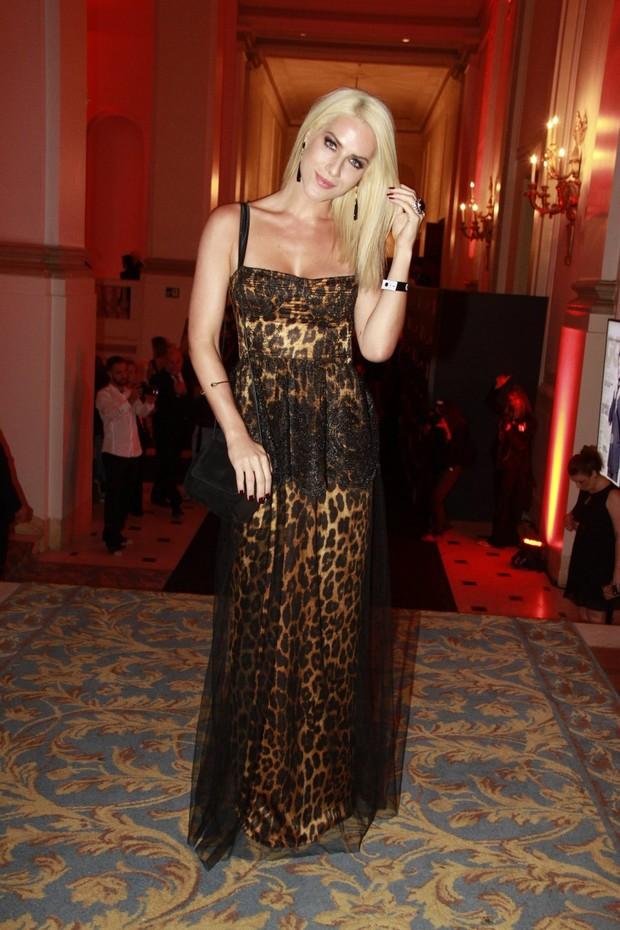 Giovanna Ewbank em prêmio no Rio (Foto: Isac Luz/EGO)