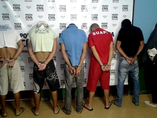 Grupo é preso após tentar roubar casa uniformizados de agentes de zoonozes em Belo Horizonte (Foto: Divulgação/ Polícia Civil)