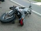 Motociclista invade contramão e morre ao colidir em van na BR-104, diz PRF