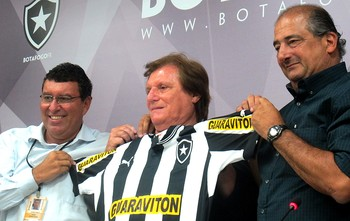 Botafogo anuncia patrocinador Guaraviton (Foto: Fred Huber / Globoesporte.com)