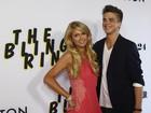 Paris Hilton vai com o namorado a première de filme nos Estados Unidos