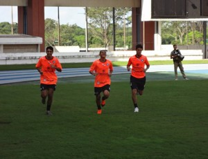 Edinho, Magnum e Diego Barros correndo (Foto: GLOBOESPORTE.COM/PA)
