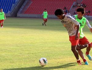 Sampaio treina no Castelão (Foto: Diego Chaves/O Estado)