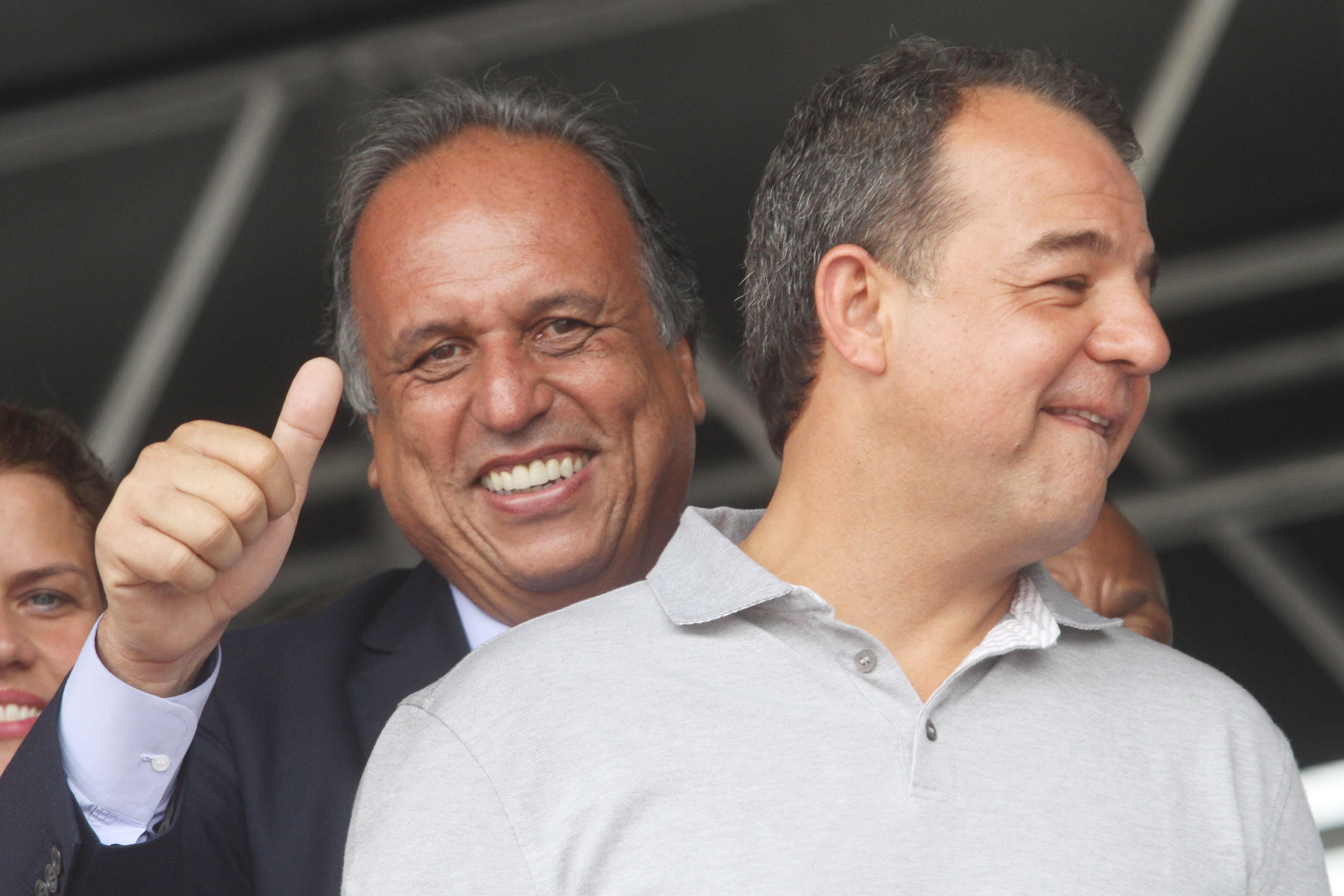 Resultado de imagem para Sergio cabral e deputado federal Aureo