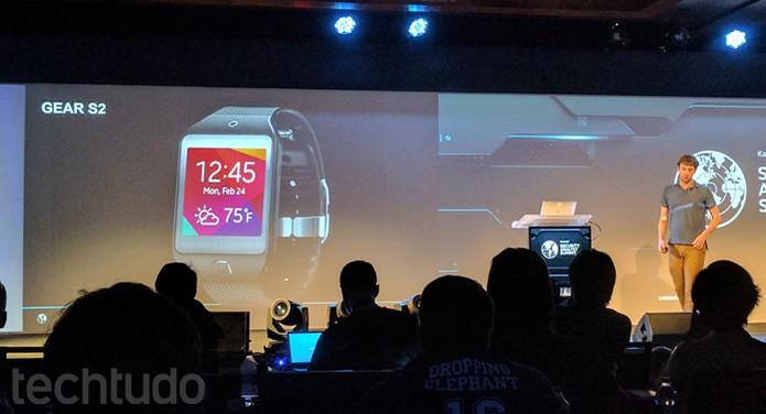 Tizen está instalado em alguns dos vários smartwatches da Samsung (Foto: Melissa Cruz / TechTudo)