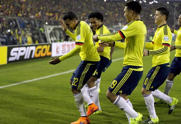 Jeison Murillo Colômbia comemoração Brasil (Foto: AP)