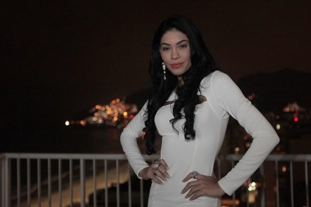 Shislanne Hayalla em um hotel no bairro de Ipanema, no Zona Sul do Rio (Foto: Isac Luz/ EGO)