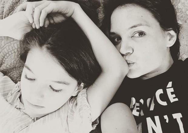 Suri Cruise e Katie Holmes (Foto: Instagram/Reprodução)